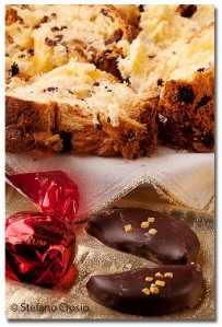 Milanese panettone with chocolate-dipped orange wedges