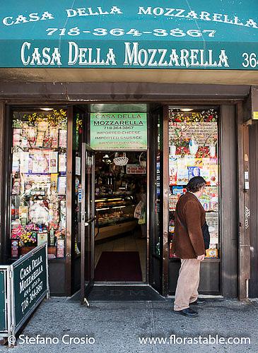 "USA, New YorkArthur Avenue, AKA ""Little Italy"" in The Bronx"