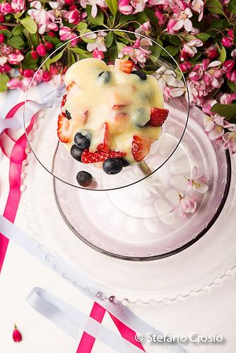 Vanilla cream berries