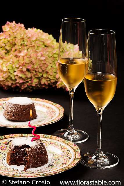 Lava cake and US sparkling wine